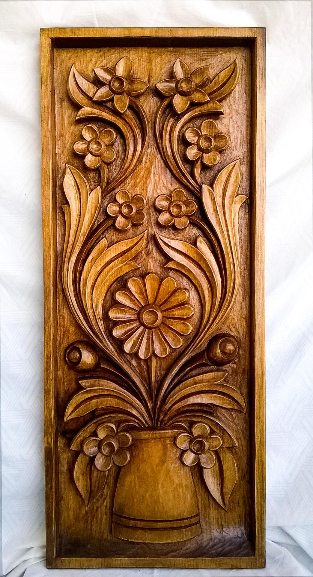 пано дърворезба Ваза с цветя