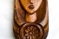 пано дърворезба Мома
